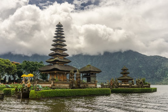 The magical view of Pura Ulun Danu Beratan