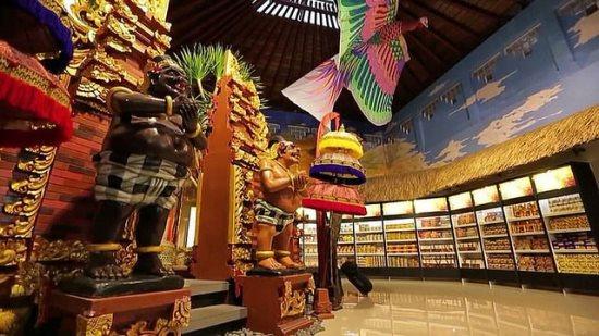 Wooden sculpture in I Gusti Ngurah Rai Airport Bali