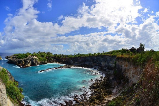 Limestone cliff at Mushroom bay Nusa Lembongan Bali