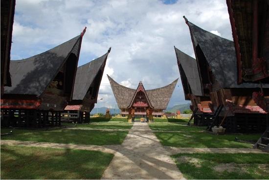 See Batak Traditional House in Batak Museum