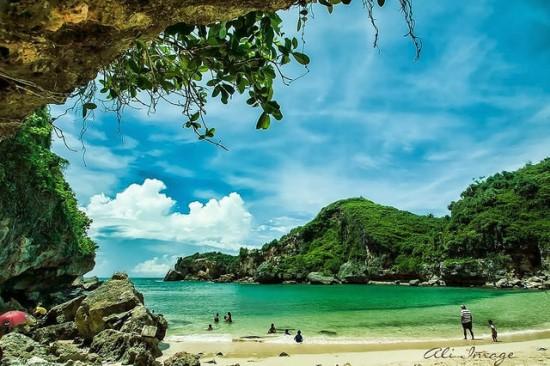 Yogyakarta Travel Guide Gunung Kidul Beach
